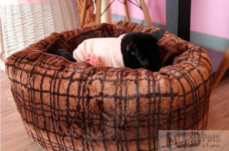Домик для кошки, плюш в клетку