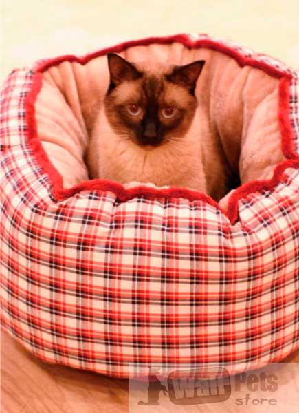 Домик для кошки, лежанки для кошек