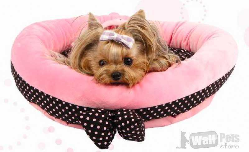 Лежак в горох с бантом для собак